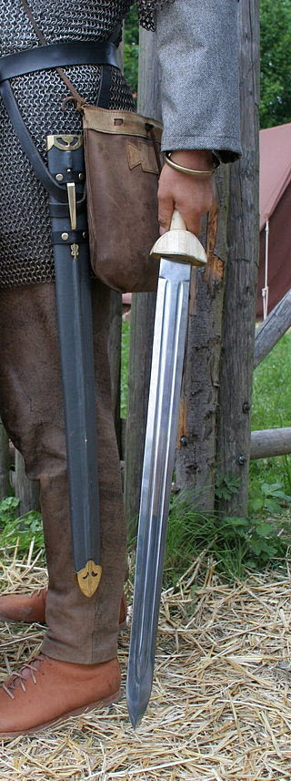 An image of Roman reenactor with the Roman spatha