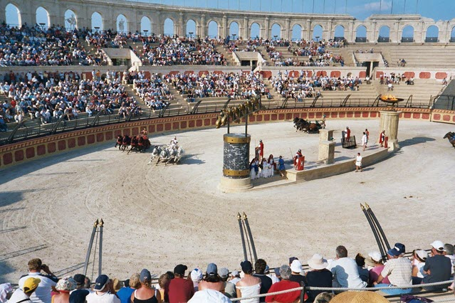 an image of Chariot racing in the Roman Era