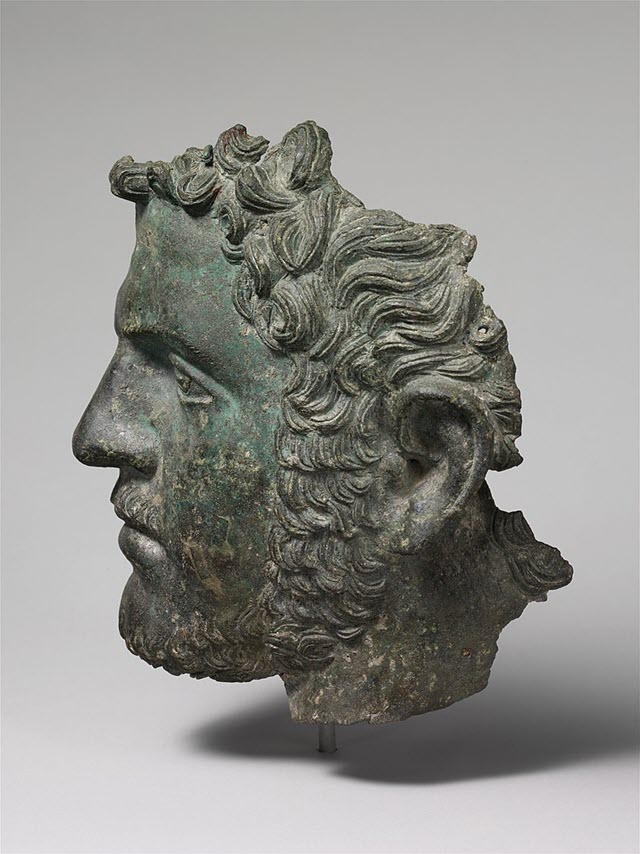A bronze statue with the face of Caracalla