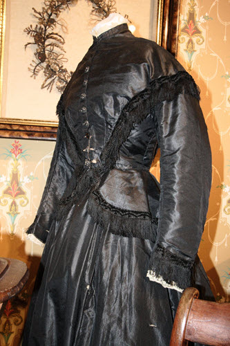The black Mourning dress of Victorian Era