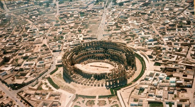 An aerial view of the Amphitheater of El Djem taken in 1986