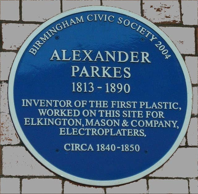 Blue plaque with Alexander Parkes's name on the Birmingham Science Museum