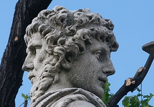 Stone-Bust-of-Roman-God-Janus-showing-two-heads