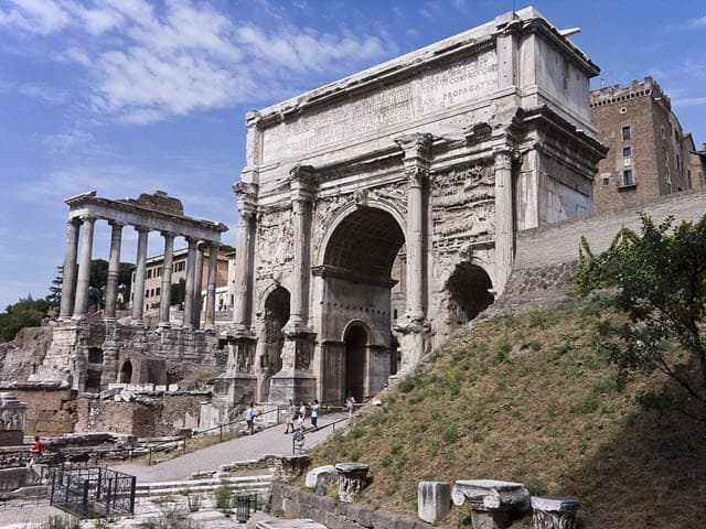 A photo of the Arch of Septimius Severus