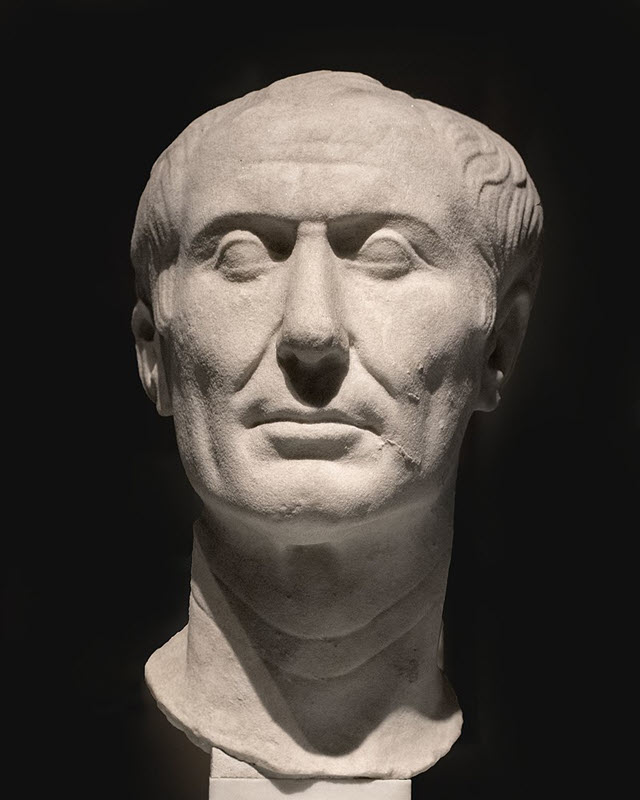A sculpture of Julius Caesar made out of marble